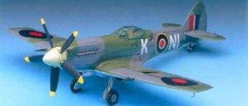 Spitfire Mk. XIV E · AY 12275 ·  Academy Plastic Model · 1:48