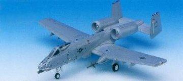 A-10 Iraq · AY 12402 ·  Academy Plastic Model · 1:72