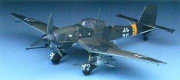 Junkers Ju 87 G Stuka · AY 12450 ·  Academy Plastic Model · 1:72