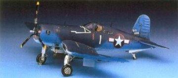 F4U-1 Corsair · AY 12457 ·  Academy Plastic Model · 1:72