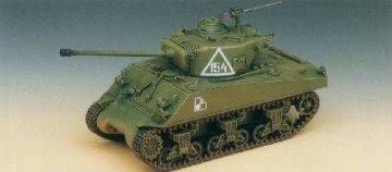 M4A2 Sherman · AY 13010 ·  Academy Plastic Model · 1:35