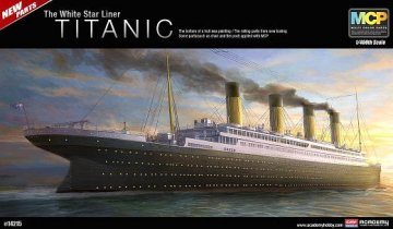 RMS Titanic - White Star Liner · AY 14215 ·  Academy Plastic Model · 1:400