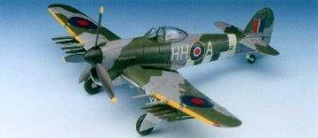 Hawker Typhoon Ib · AY 1664 ·  Academy Plastic Model · 1:72