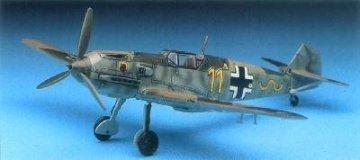 Messerschmitt Me-109E · AY 2133 ·  Academy Plastic Model · 1:72
