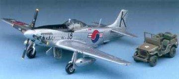 P-51D Mustang + Fzg. · AY 2205 ·  Academy Plastic Model · 1:72