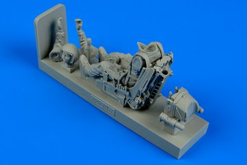 Soviet Fighter Pilot WWII with ejection seat · AERB 320067 ·  Aerobonus · 1:32