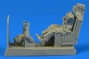 US Navy Pilot for A-4 with ejection seat [Trumpeter][Hasegawa] · AERB 320112 ·  Aerobonus · 1:32
