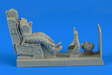 USAF Fighter Pilot with ejection seat · AERB 320117 ·  Aerobonus · 1:32