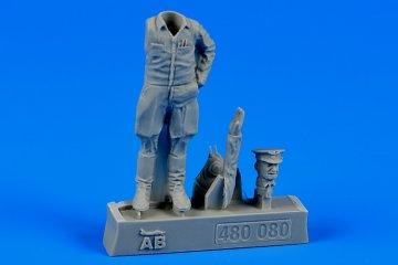 Sovier Air Force colonel,Korean War 1951 · AERB 480080 ·  Aerobonus · 1:48