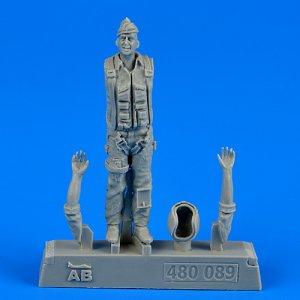 U.S.A.F. Fighter pilot-Vietnam War 1960-1975 · AERB 480089 ·  Aerobonus · 1:48