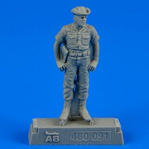 U.S.A.F. Maintenance crew-farm gate operation Vietnam · AERB 480091 ·  Aerobonus · 1:48