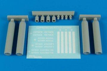 Compressed gas bottles - oxygen · AERB 480098 ·  Aerobonus · 1:48