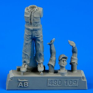 U.S.Army aircraft mechanic WWII-Pacific · AERB 480109 ·  Aerobonus · 1:48