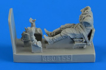 Soviet Woman Gunner WWII with seat for Po-2 [ICM] · AERB 480155 ·  Aerobonus · 1:48