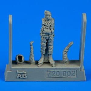U.S.A.F. Fighter pilot - Vietnam war 1960-1975 · AERB 720002 ·  Aerobonus · 1:72