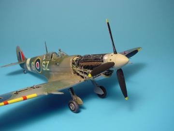 Spitfire Mk.IX - Engine-Set · AIR 4210 ·  Aires · 1:48