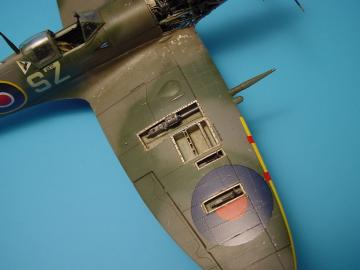 Spitfire Mk.IXc - Gun bay · AIR 4244 ·  Aires · 1:48