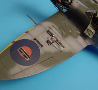 Supermarine Spitfire Mk.Vb - Gun bay · AIR 7102 ·  Aires · 1:72