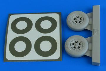 Spitfire Mk.IX - Wheels (5-spoke) & paint masks [Tamiya] · AIR 2228 ·  Aires Hobby Models · 1:32