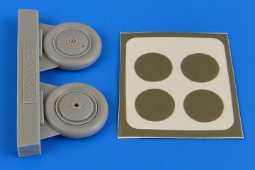 I-153 Chaika - Wheels & paint masks [ICM] · AIR 4692 ·  Aires Hobby Models · 1:48