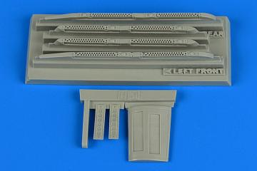 Su-17/22 M3/M4 Fitter K - Fully loaded chaff/flare dispensers [Kitty Hawk] · AIR 4737 ·  Aires Hobby Models · 1:48