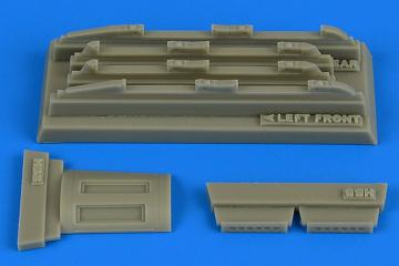 Su-17 M3/M4 Fitter K - Fully empty chaff/ flare dispensers [HobbyBoss] · AIR 4754 ·  Aires Hobby Models · 1:48