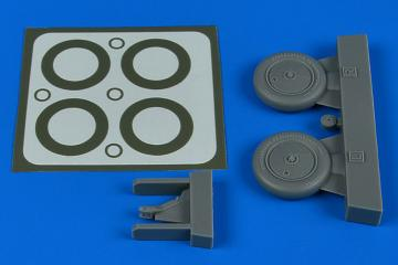 I-153 - Wheels & paint masks [ICM] · AIR 4799 ·  Aires Hobby Models · 1:48