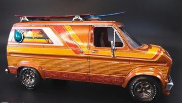 1977er Ford Surfer Van · AMT 1229 ·  AMT/MPC · 1:25