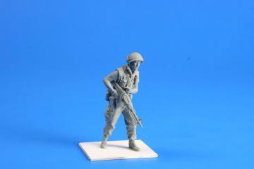 US Marines Soldier w.M60 Hue City Vietnam · CMK F35245 ·  CMK · 1:35
