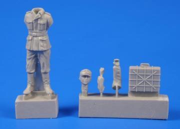 German WWII Soldier with Grenade Case · CMK F48302 ·  CMK · 1:48