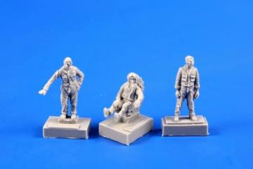 SMB-2 Fighter Pilot + Two Ground Crew (Israel Air Force) · CMK F72364 ·  CMK · 1:72