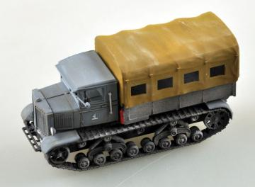 Soviet Voroshilovets Tractor · EZM 35113 ·  Easy Model · 1:72