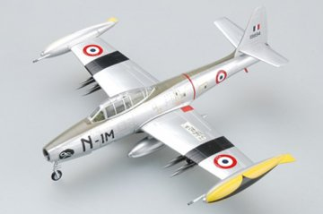 F-84G-6 French Air Force, (51-9894) 1952 · EZM 36802 ·  Easy Model · 1:72