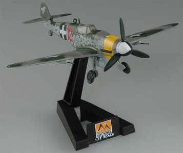 Messerschmitt Bf 109 G-10 1945 Ungarn · EZM 37204 ·  Easy Model · 1:72