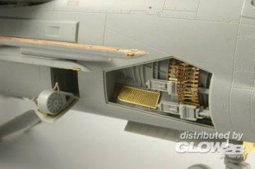 F-8E/J - Weapon [Trumpeter] · EDU 32233 ·  Eduard