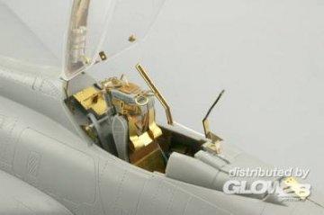 BAC Lightning F.1A/F.3 - Interior [Trumpeter] · EDU 32635 ·  Eduard · 1:32