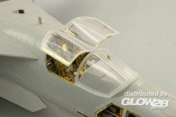 F-111 late - Seatbelts [HobbyBoss] · EDU 49500 ·  Eduard · 1:48
