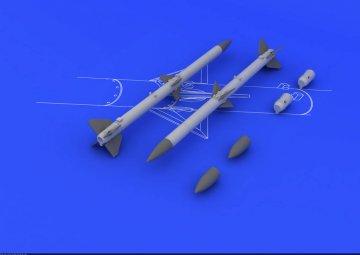 AIM-120A/B AMRAAM (2pcs) · EDU 648084 ·  Eduard · 1:48