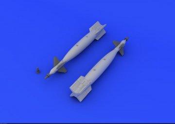 GBU-10 Paveway II · EDU 672052 ·  Eduard · 1:72
