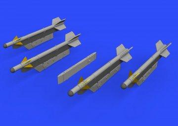 R-3S missiles w/pylons - MiG-21 [Eduard] · EDU 672186 ·  Eduard · 1:72