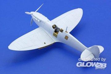 Spitfire Mk.I/Mk.IIa S.A. [Airfix] · EDU 73400 ·  Eduard · 1:72