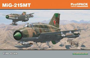MiG-21 SMT - ProfiPACK Edition · EDU 8233 ·  Eduard · 1:48