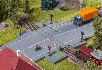 Bahnschranke mit Antriebsteil · FAL 120244 ·  Faller · H0