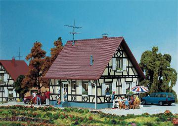 Einfamilienhaus mit Fachwerk · FAL 130221 ·  Faller · H0