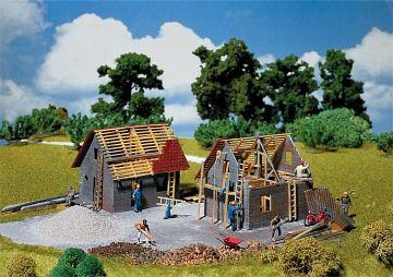 Kleines Haus im Bau · FAL 130246 ·  Faller · H0
