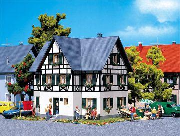 Zweifamilienhaus mit Fachwerk · FAL 130259 ·  Faller · H0