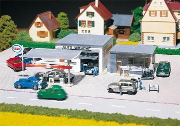 Tankstelle mit Waschhalle · FAL 130296 ·  Faller · H0