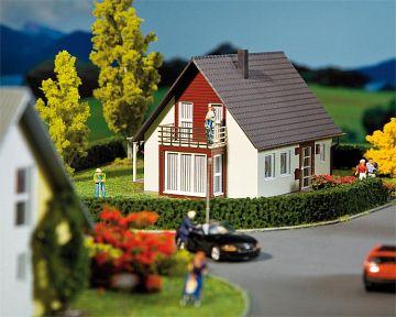 Einfamilienhaus, weinrot · FAL 130318 ·  Faller · H0