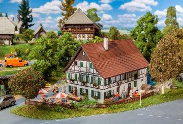 Bauernhaus mit Wirtschaft · FAL 130556 ·  Faller · H0