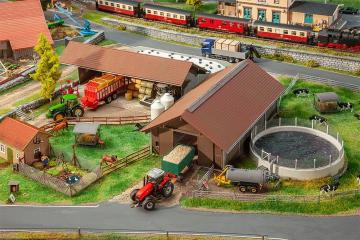 Landwirtschaftlicher Betrieb · FAL 130574 ·  Faller · H0